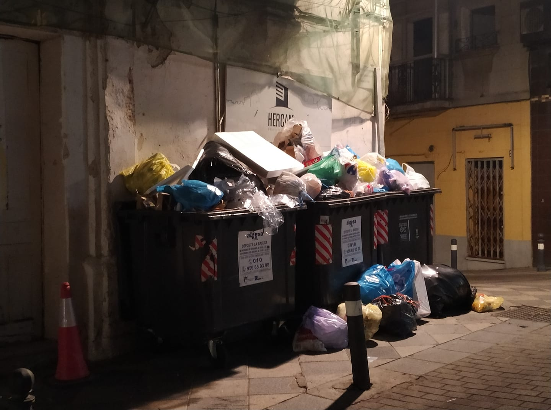 Los tribunales resolverán si el servicio de basura se debe cobrar como tasa o prestación